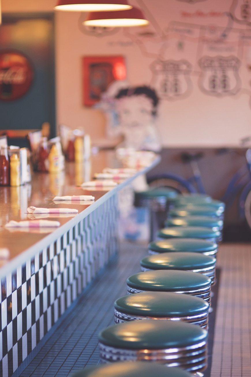 bar-blue-chairs-533347